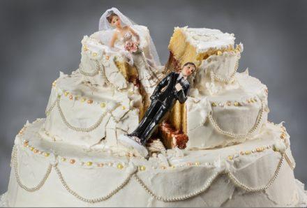 unhappy couple splitting up